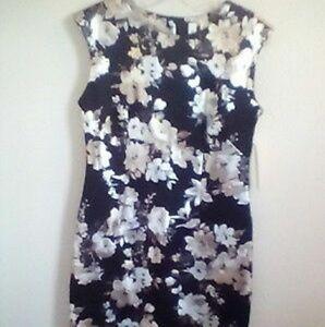 4/$20 Tacera dress size 8 black white flowers